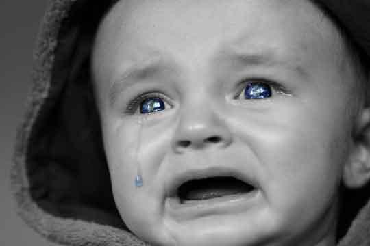 Warum weinen Babys? Weinen verstehen, zulassen & liebevoll begleiten