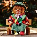 Sitzen ist ungesund! Warum schon Kinder Hochleistungssitzer sind. Und warum das so gefährlich ist.