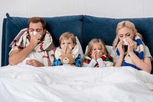 7 kraftvolle homöopathische Mittel bei Erkältungskrankheiten & Grippe