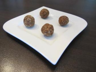 Rezept Energiebällchen Gesunde Süßigkeiten für Kinder Foto