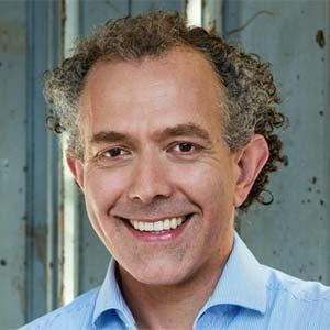Dr. Stefan Schwöbel